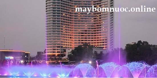 may bom phun nuoc